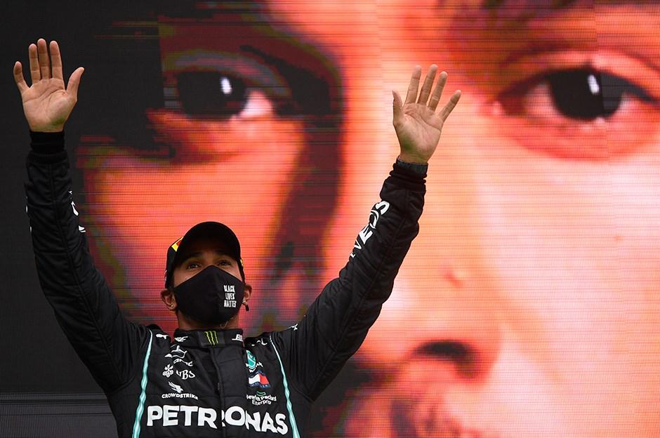Formula 1'de tarih yazmaya devam ediyor